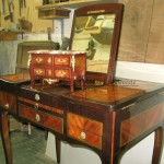Commode miniature en marqueterie